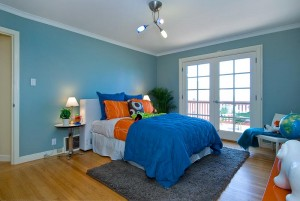 white trim, blue walls, painted walls